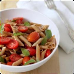 Πένες τρικολόρε με λαχανικά